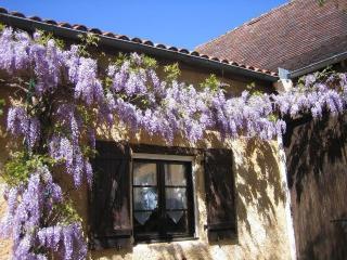 Closerie Des Arts - Chambre Lilas - Gabillou vacation rentals