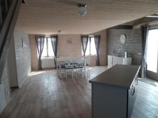 4 bedroom Gite with Internet Access in Saone-et-Loire - Saone-et-Loire vacation rentals