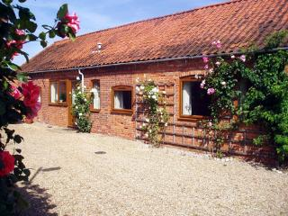 Beautiful Cottage with Internet Access and Outdoor Dining Area - Fakenham vacation rentals