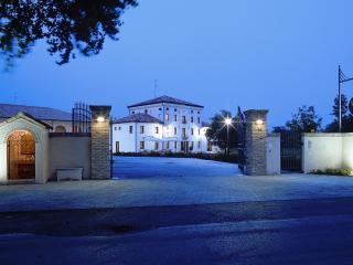 Villa Zara-Residence i Carpini - Oderzo vacation rentals
