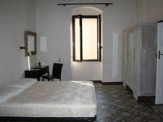 Romantic 1 bedroom Sorso House with Dishwasher - Sorso vacation rentals
