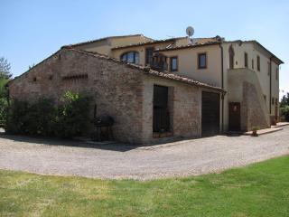 Nice 2 bedroom Peccioli Farmhouse Barn with A/C - Peccioli vacation rentals