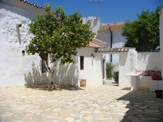 Charming 3 bedroom Antequera House with A/C - Antequera vacation rentals