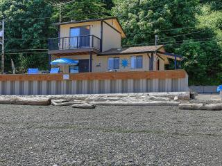 A waterfront home away from home on Camano Island! - Camano Island vacation rentals