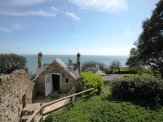 Charming 1 bedroom Bonchurch Cottage with Internet Access - Bonchurch vacation rentals