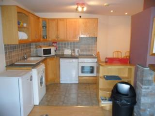 Lovely Bungalow with Dishwasher and Garden - Glassan vacation rentals