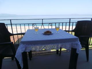 EOLIA apartement in front of the sea. 4 places - Milazzo vacation rentals