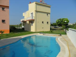 4 bedroom Villa with Shared Outdoor Pool in Guzelcamli - Guzelcamli vacation rentals