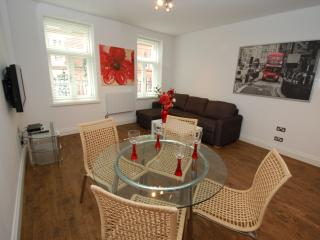 Luxurious Apartment 2 Trafalgar Square - London vacation rentals