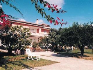 Nice 1 bedroom Marina di Ascea House with Deck - Marina di Ascea vacation rentals