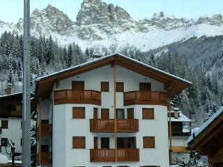 Casa Vacanze IL QUADRIFOGLIO a Falcade - Dolomiti - Falcade vacation rentals