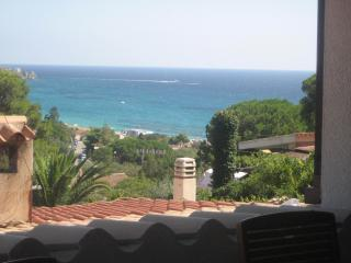Nice House with Short Breaks Allowed and A/C - Geremeas vacation rentals