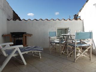 Charming House with Internet Access and Outdoor Dining Area - Talairan vacation rentals