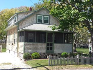 Cozy Cottage, 100 Yards to Ocean - Dennis Port vacation rentals