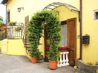 Nice 1 bedroom Sesto Fiorentino Bed and Breakfast with Internet Access - Sesto Fiorentino vacation rentals