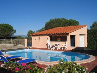 Nice Villa with Internet Access and Dishwasher - Laroque des Alberes vacation rentals