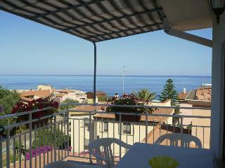 Ampia terrazza VISTA MARE - Nice view to the sea - Santa Maria Navarrese vacation rentals