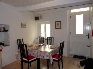 Entre Béziers et Pézenas, une maison sympa pour 4 ,au coeur d'un village occitan - Montblanc vacation rentals
