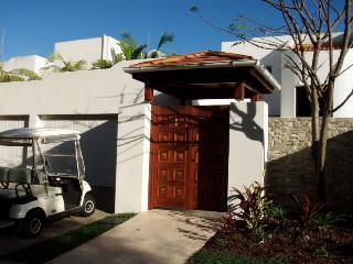 The Lakes Coolum Luxury Villa 26 - Yaroomba vacation rentals
