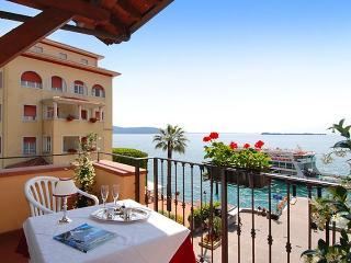 4 bedroom Condo with Internet Access in Gardone Riviera - Gardone Riviera vacation rentals