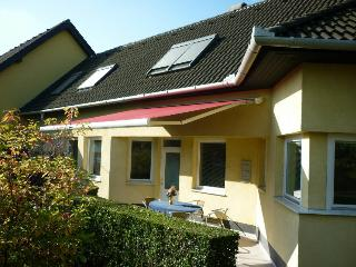 FERIENHAUS-DONAU in Kimle, direkt am Fluss - Central Transdanubia vacation rentals