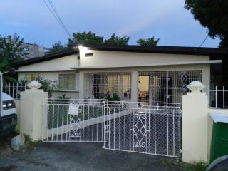 DOMINIQUE'S GETAWAY,ST. CATHERINE-JA- NEAR GO - Portmore vacation rentals