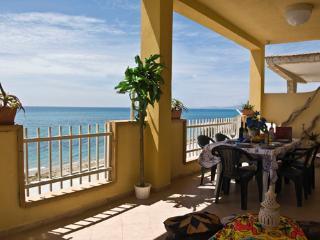 """villa sul mare"""" veranda di 50m2 panoramica"""" - Ribera vacation rentals"""