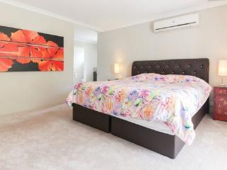 H6 Luxury Master Suite 4km to Perth city - East Victoria Park vacation rentals