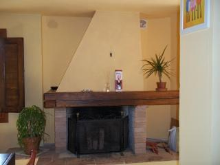 Nice House with Short Breaks Allowed and Iron - Castelnuovo d'Elsa vacation rentals