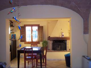 Nice House with Washing Machine and Balcony - Castelnuovo d'Elsa vacation rentals