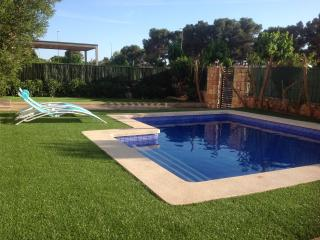 Chalet w. swim. pool, close to sea and golf course - Puig de Ros vacation rentals