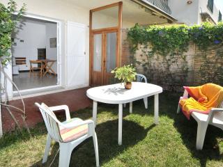 Appartamento Villa I Lecci - 2 - Calvi vacation rentals
