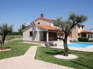 Private accommodation - holiday house Dracevac 5189 Holiday house - Zbandaj vacation rentals