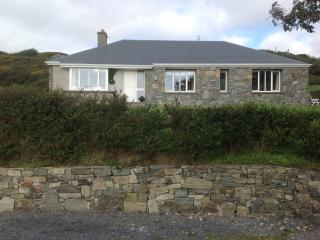 Lovely 3 bedroom Bungalow in Clifden with Internet Access - Clifden vacation rentals