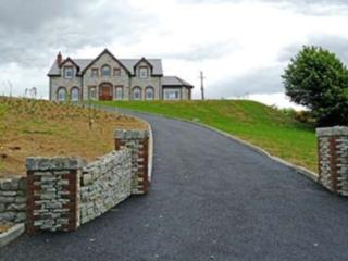 4 bedroom Bed and Breakfast with Internet Access in Letterkenny - Letterkenny vacation rentals