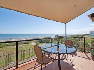 STUNNING ADELAIDE DIRECT BEACHFRONT APARTMENT - Adelaide vacation rentals