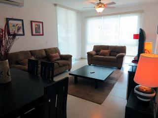 F2-4C,Modern 2 bdrm Condo,  Panama Playa Blanca - Farallon vacation rentals