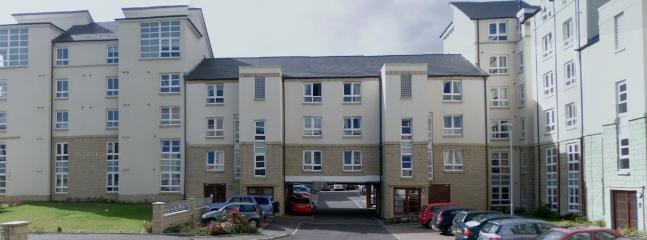 Bright 2 bedroom Apartment in Edinburgh with Internet Access - Edinburgh vacation rentals