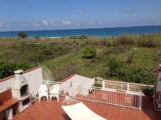 Beautiful 3 bedroom Villa in Torre Faro with Internet Access - Torre Faro vacation rentals