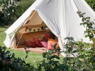 Magic cottage - cosy wood cabin with glamping tent - Fareham vacation rentals