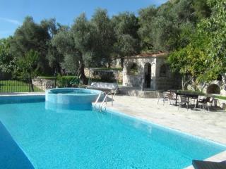 Beautiful 4 bedroom Vacation Rental in Rezevici - Rezevici vacation rentals