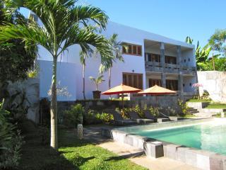 Rumah Santai : Splendid new and private design vil - Lovina vacation rentals