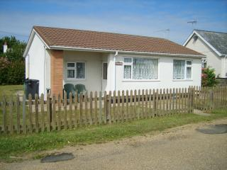 Beautiful Bungalow with Internet Access and Television - Hemsby vacation rentals