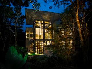 Casa de Agua-**Spring Rate Specials** - Manuel Antonio National Park vacation rentals