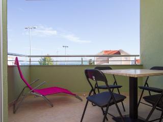 TROGIR, OKRUG GORNJI, Apartment Simba 3 - Okrug Gornji vacation rentals