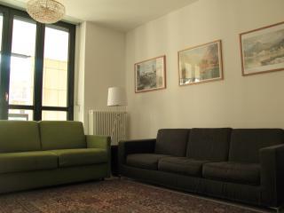 Comfortable 2 bedroom Apartment in Como - Como vacation rentals