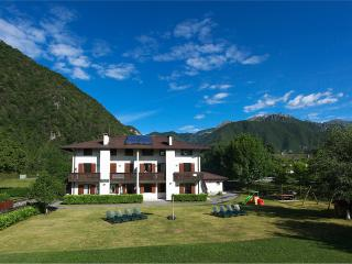 Beautiful 2 bedroom Ledro Apartment with Internet Access - Ledro vacation rentals