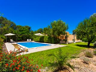 Cosy Finca for 4 people in Costa de los Pinos - Majorca vacation rentals