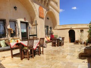 Bright 4 bedroom Cave house in Urgup - Urgup vacation rentals