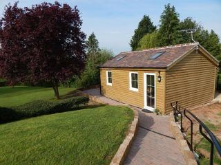 Lovely Cabin with Internet Access and Garden - Gloucester vacation rentals